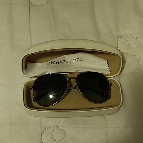 Michael Kors Gray sun shade glasses